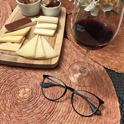 phô mai và rượu vang